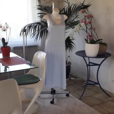 NEUE! Gestreifte hellblaue Kleid aus 100%pima Baumwolle.99Fr.